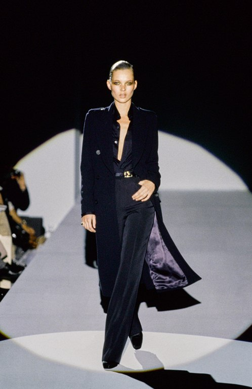 8 GUCCI-FALL-1996-RTW-01-KATE-MOSS